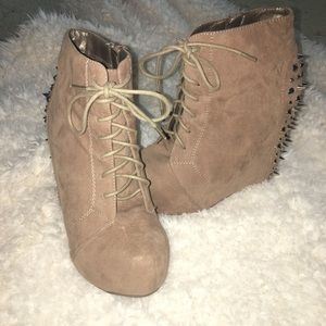 Taupe/Tan wedge booties